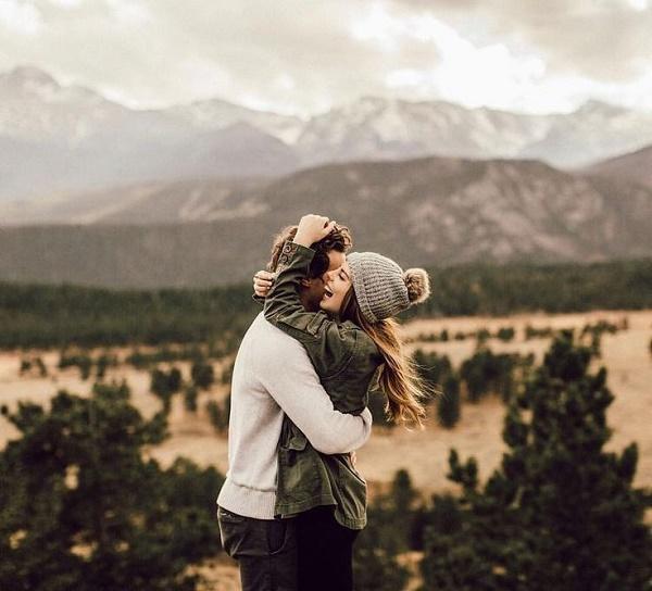 Du lịch cùng nhau nếu có thể.