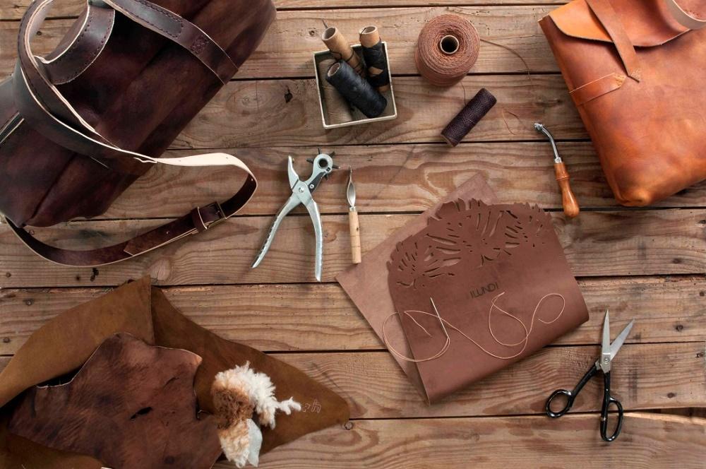 Nhiều sản phẩm thời trang được làm từ chất liệu da