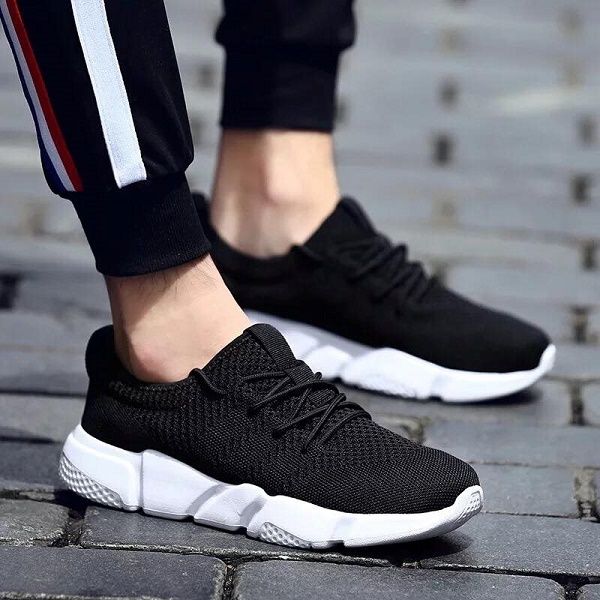 Giày thể thao phù hợp làm quà tặng bạn trai năng động